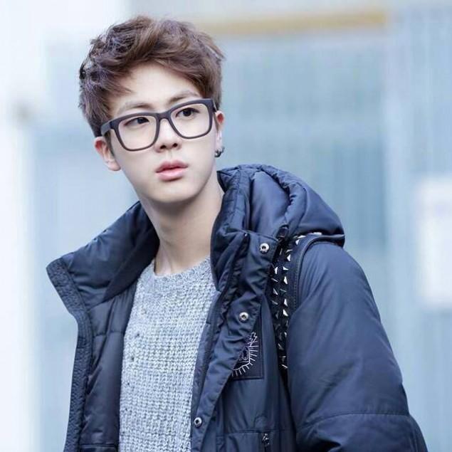 Idols Who Should Be Wearing Prescription Glasses Allkpop Forums