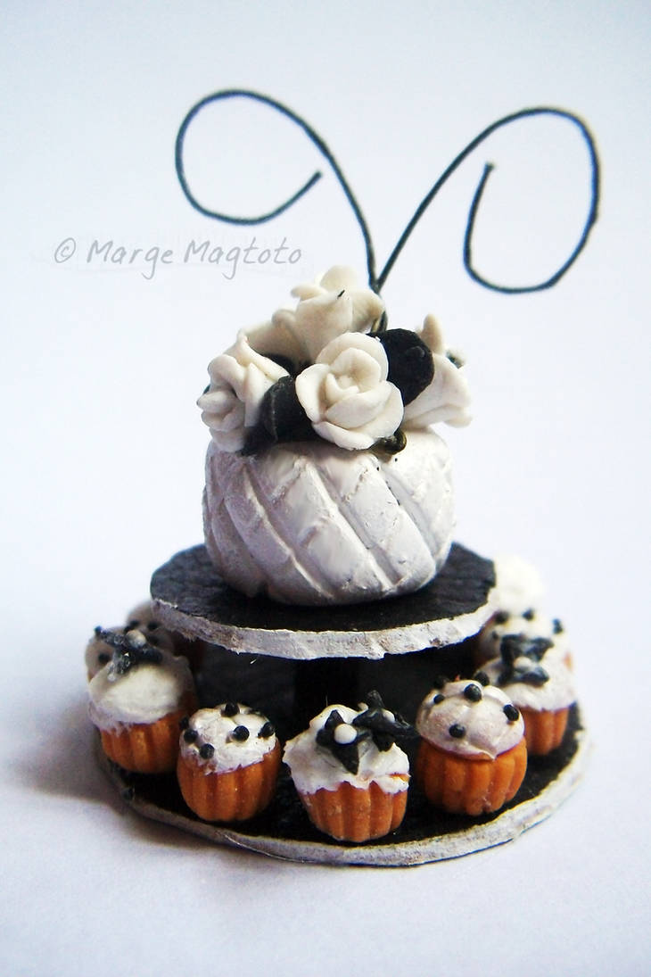 Verusca's Shabby Chic Wedding Cake Replica by margemagtoto