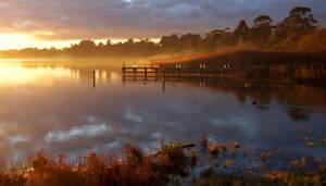 Autumn lake by oscarfrancis