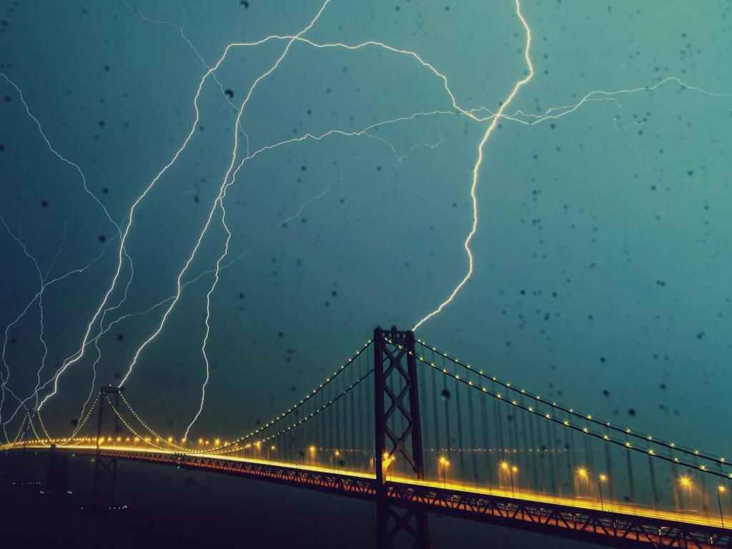 Lightning on the Bridge by SottoPK