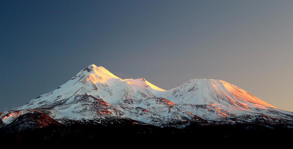 Mt. Shasta by iris059