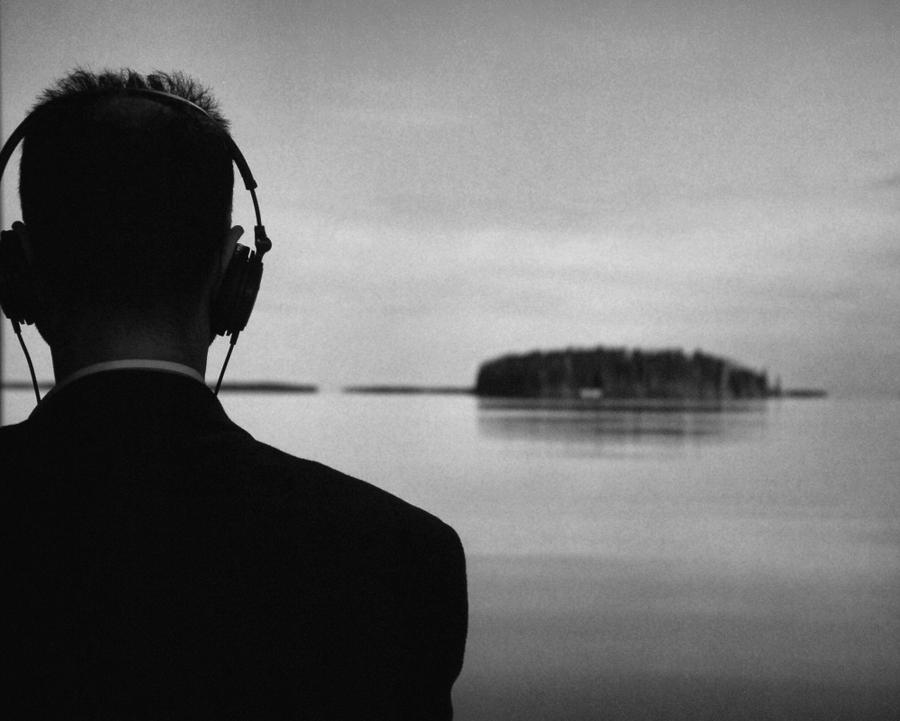 Listen by BenoitAubry