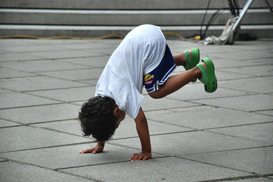Breakdance by BenoitAubry
