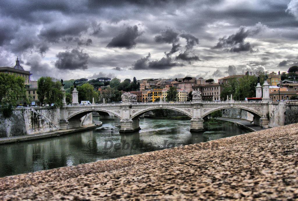 Bridge of Rome - hdr -