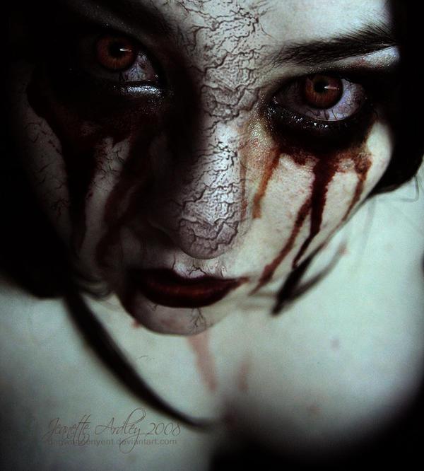 Crimson Lunacy by nuggetams