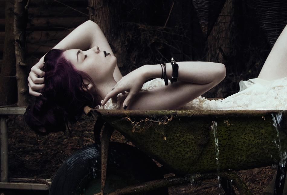Relaxation - III by xKimJoanne