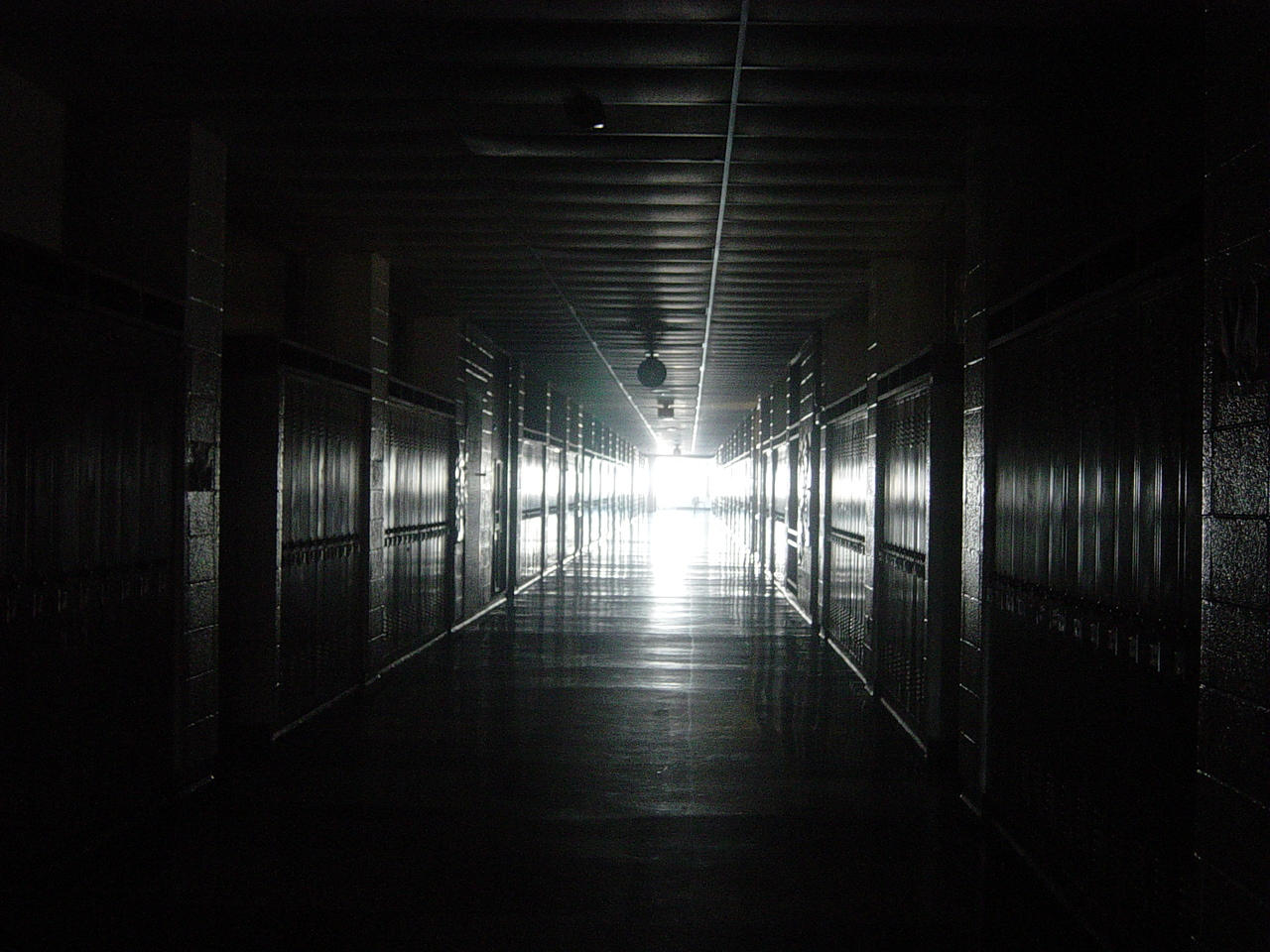 Scary Hallway Background Car Pictures Car Canyon - Dark creepy basement