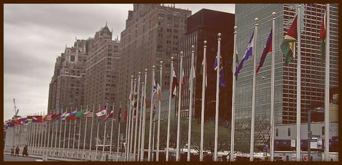 UN by daphotos