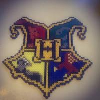 Hogwarts crest by staubtaenzerin
