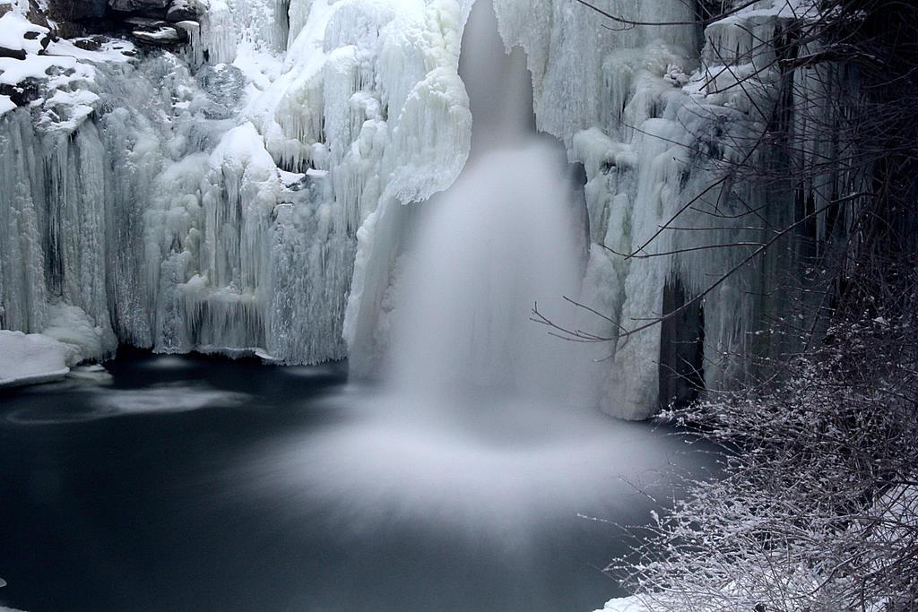 Deep Freeze. by sweatangel