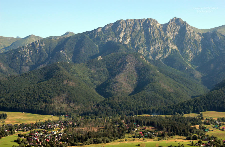 look at Giewont, Tatry Mountains by panna-poziomka