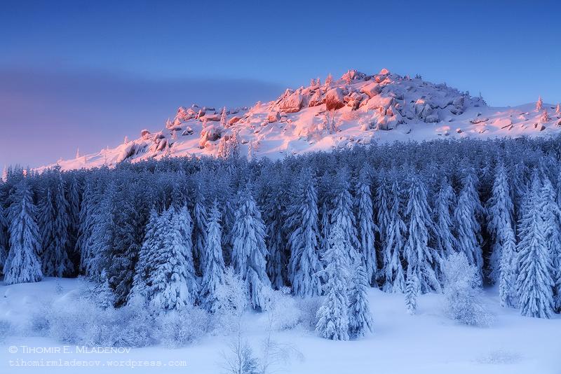 Black rock peak by tihomirmladenov