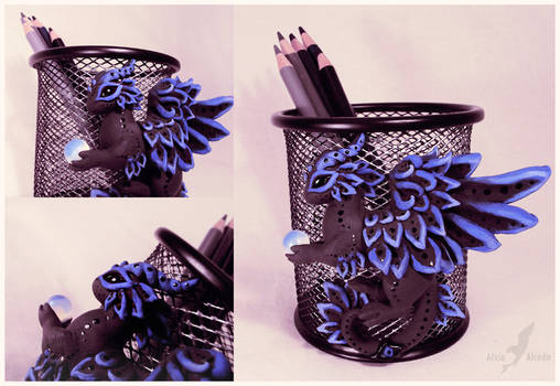 Black dragon pencil holder