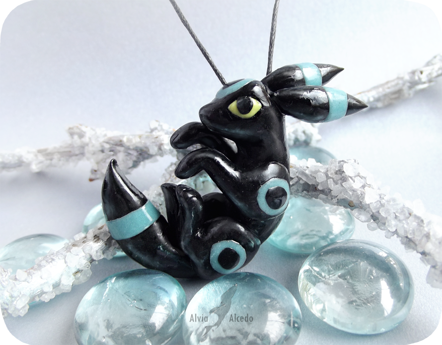 Pokemon shiny umbreon  - glowing in dark by AlviaAlcedo