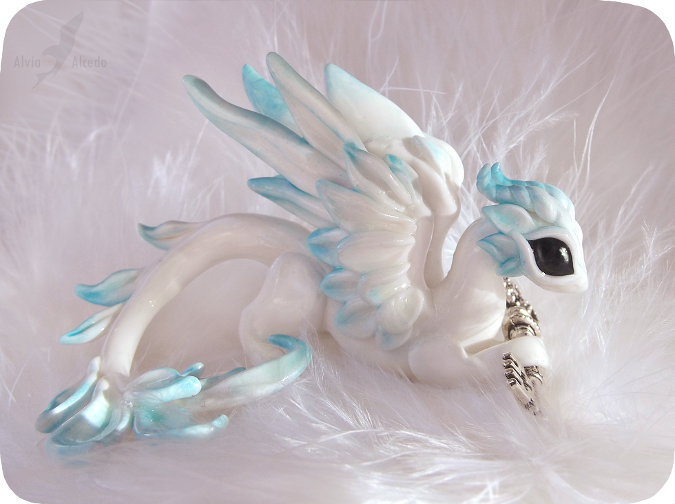 Sky dragon - keyholder by AlviaAlcedo