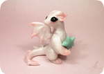 Little pearl dragon +[star glows in dark]