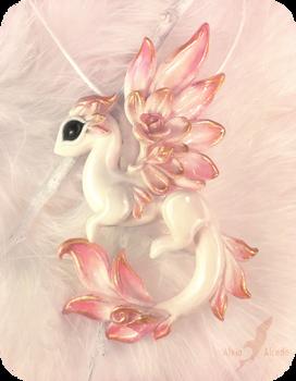 Albino rose dragon