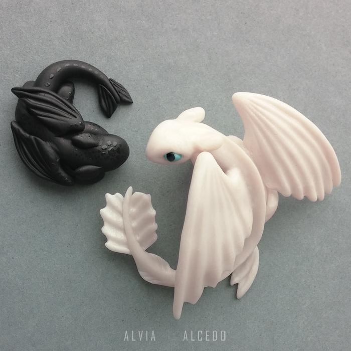 Light fury and baby Night fury by AlviaAlcedo