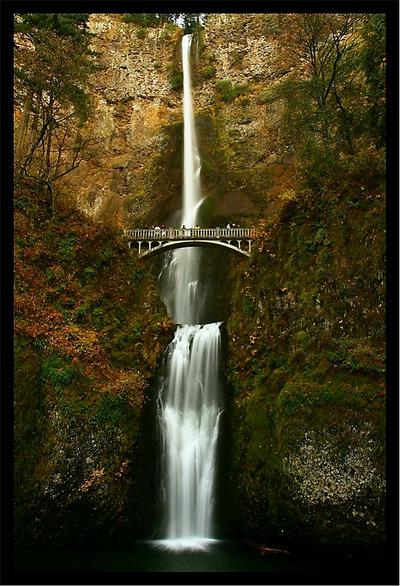 Waterfall - Multnomah Falls in Autumn by La-Vita-a-Bella