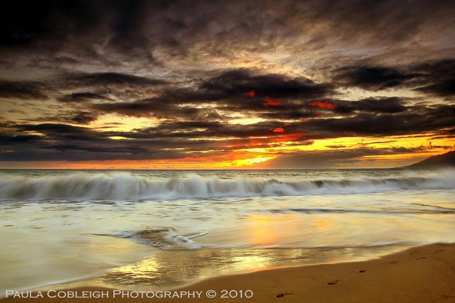 Sunset Waves by La-Vita-a-Bella