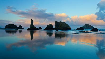Bandon, Oregon Sunrise by La-Vita-a-Bella