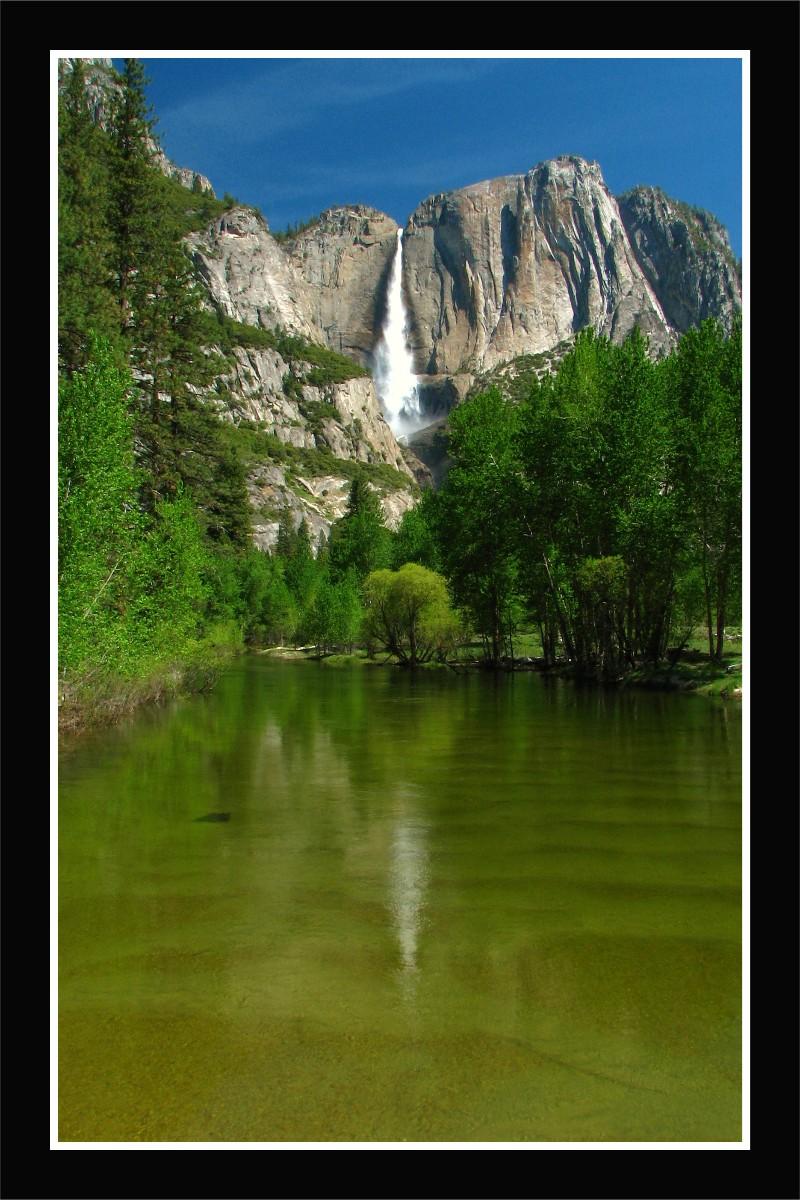 Upper Yosemite Falls by La-Vita-a-Bella