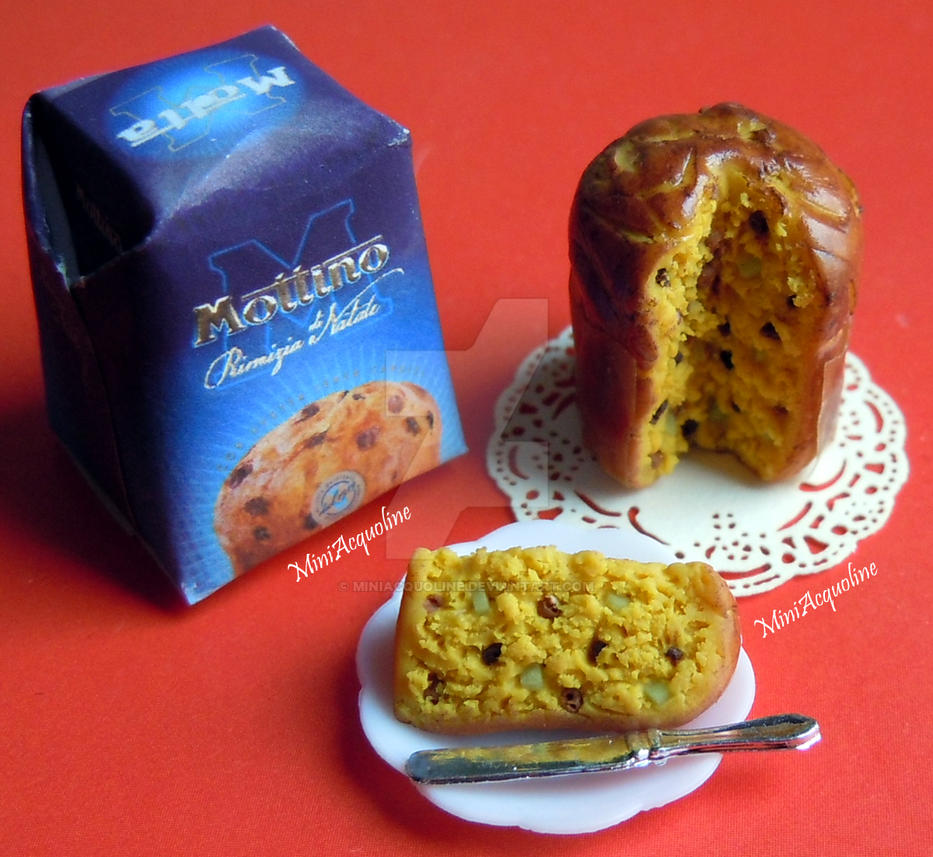 Miniature italian Panettone with its box by miniacquoline