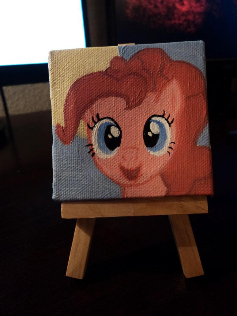Pinkie Pie! by roxannebailey