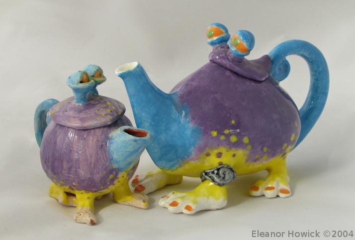 Alien Teapots by elfnor