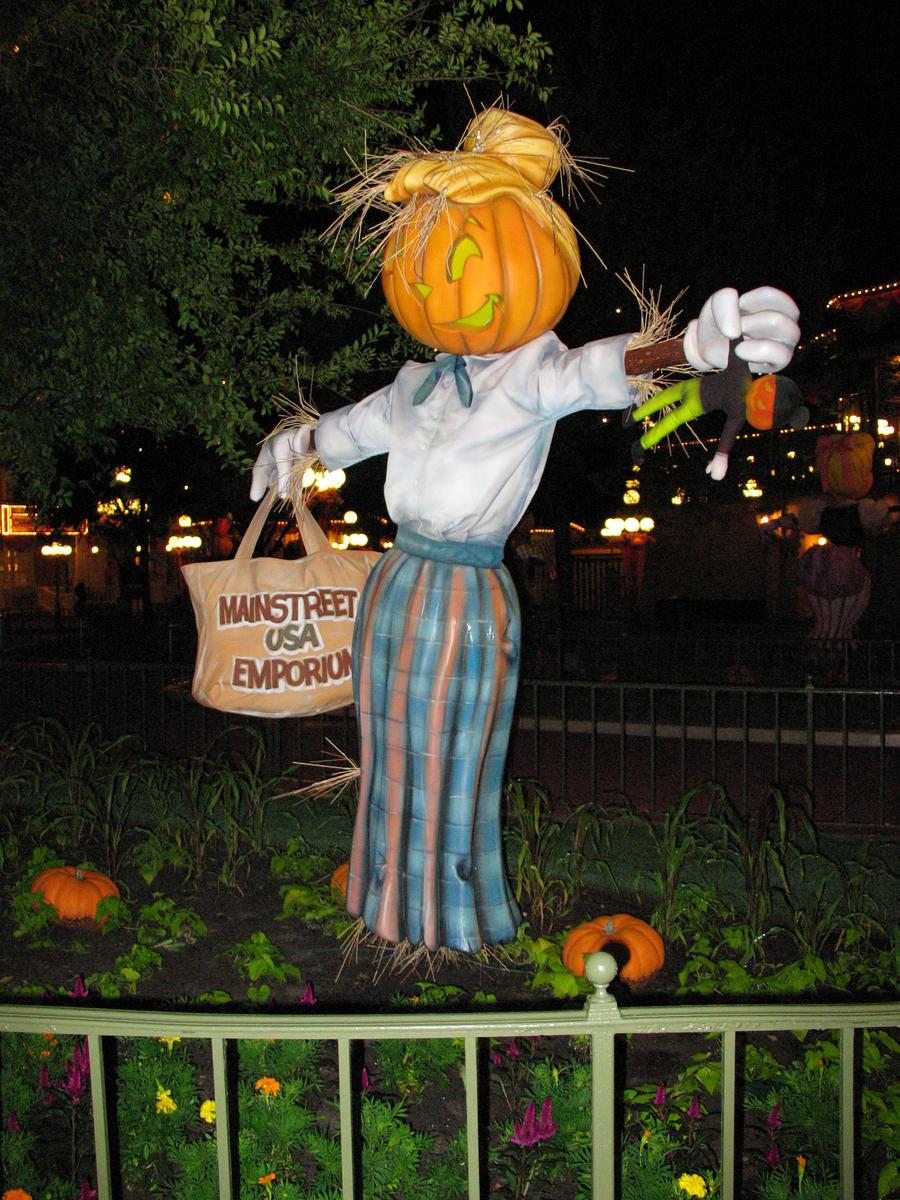 Halloween Scarecrow WDW 2