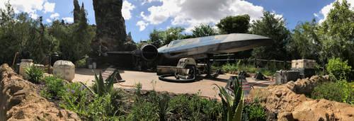 Galaxy's Edge Spaceship in Hollywood Studios