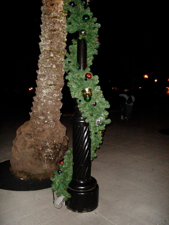 Decorated Christmas Garland Fresh Torointo