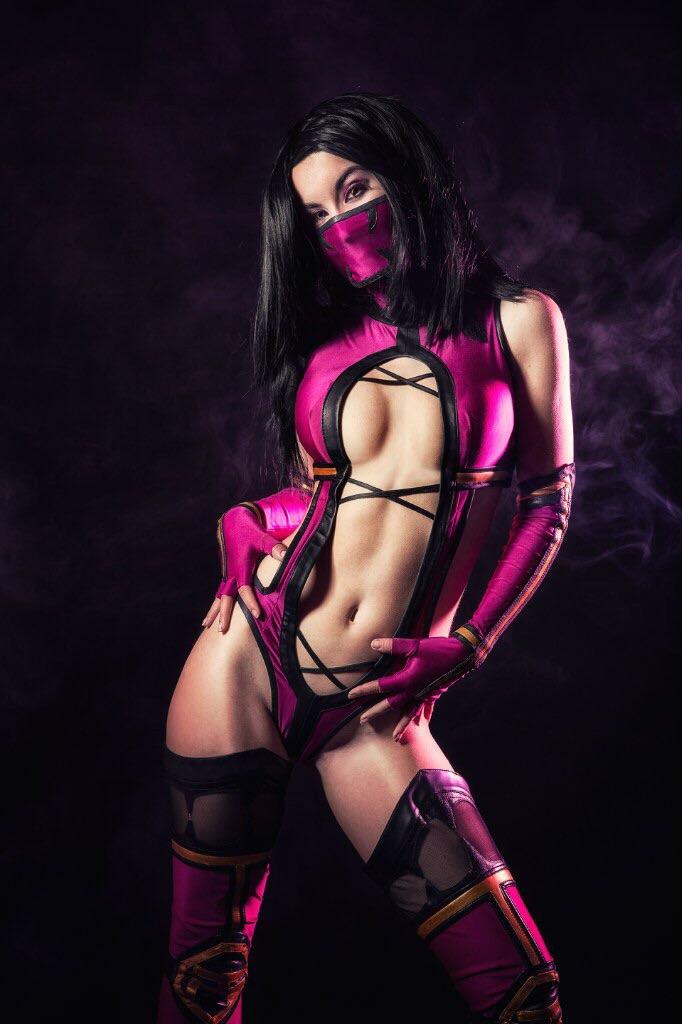 Mileena Cosplay by ViKahnum on DeviantArt