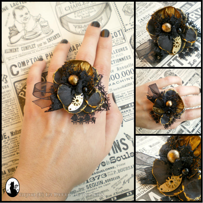 Steampunk ring in black and gold
