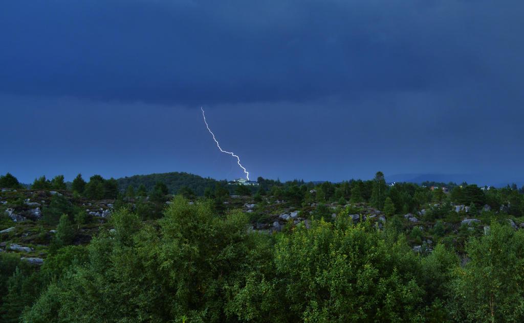Some Lightning x) by Morten-Chan