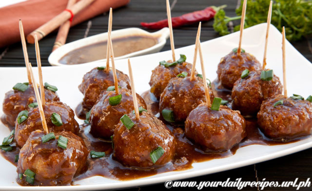 Asian Meatballs with Sweet-sour peanut Sauce by dailyrecipes