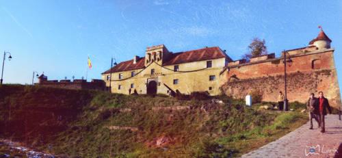 Cetatea Brasov by Loriinnn