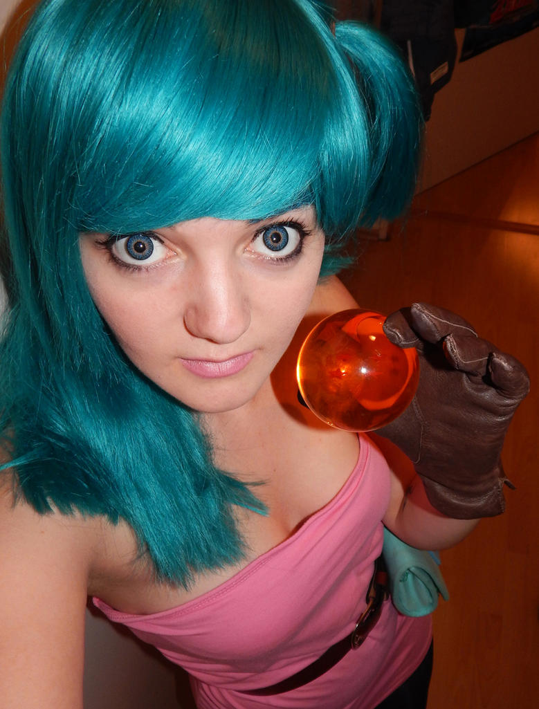 Dragonball Bulma Cosplay by Kuchendiebin