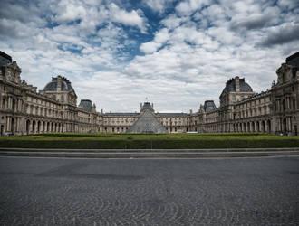 Musee du Louvre by SimonHubbert