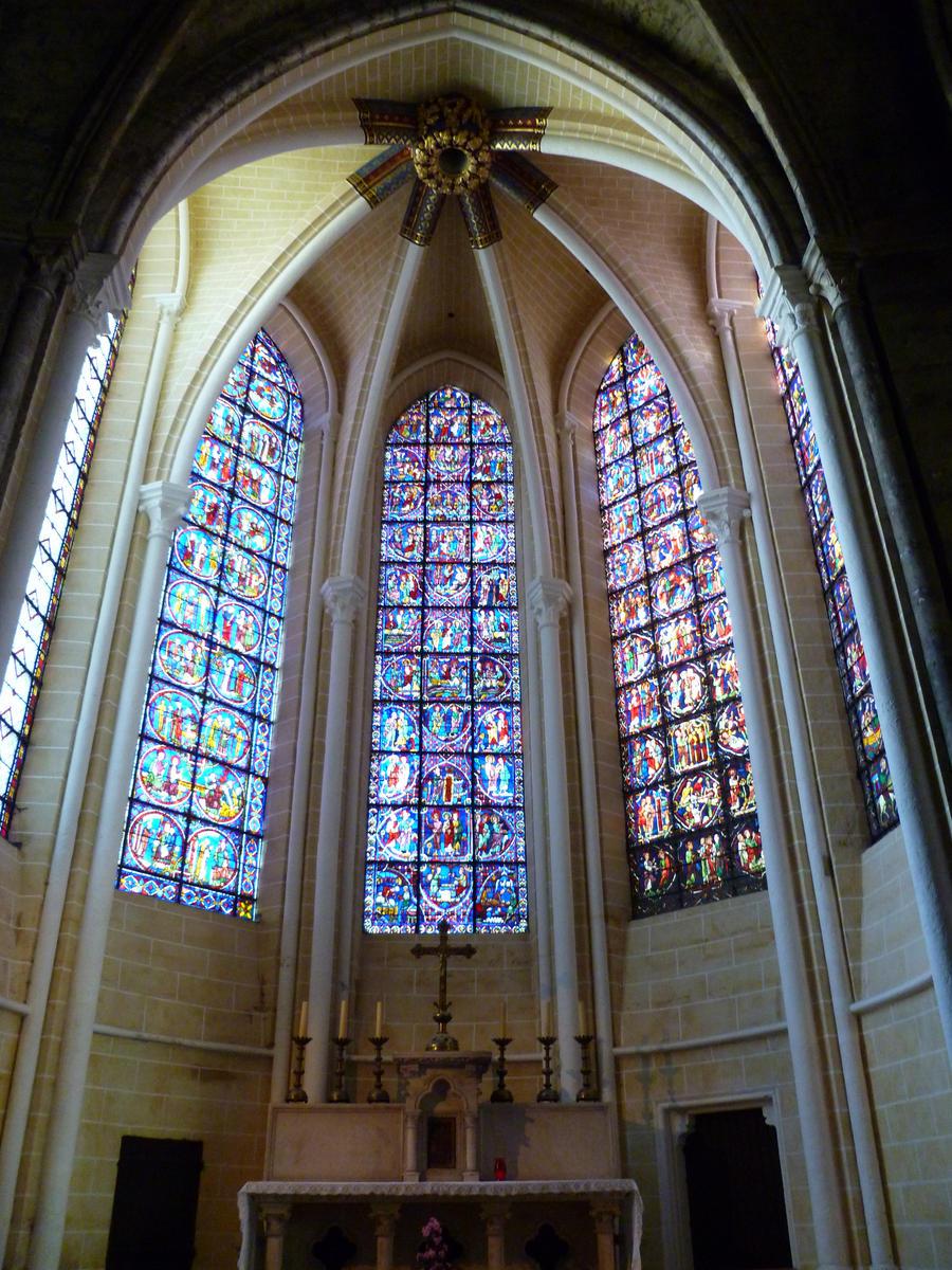 Vitraz Chartres___chapelle_rayonnante_by_allatwan-d3ip8wn