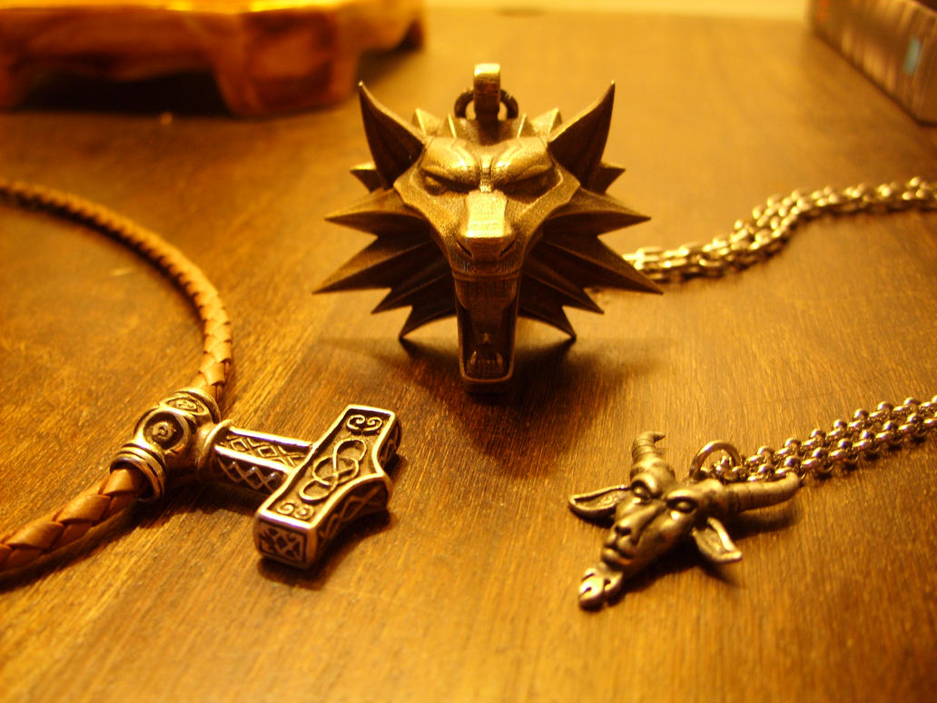 Favourite necklaces by BlaXainT