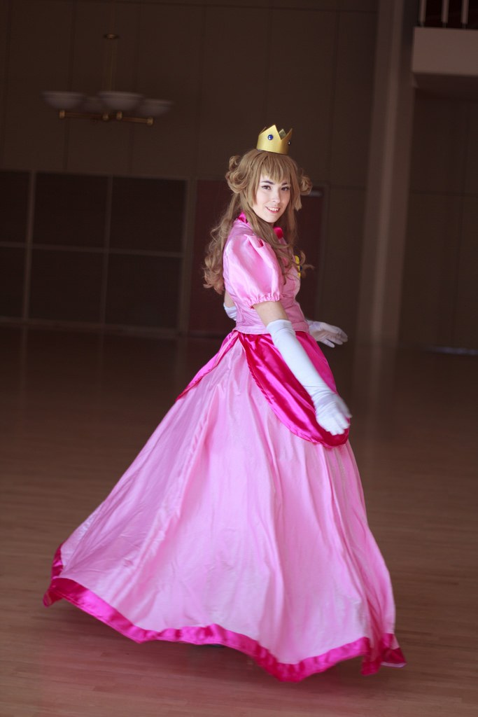 Princess Peach-- Twirl by Miss-Marquin
