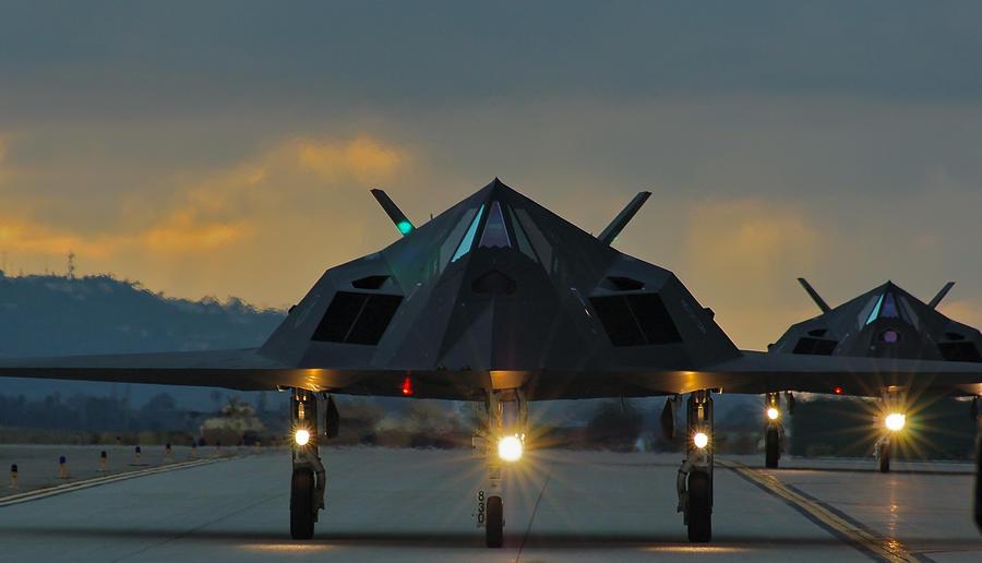 F 117 Nighthawk At Night F-117 Nighthawks by Ja...