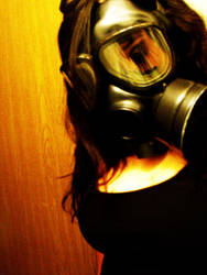 Gasmask whore by CannibaliZticKittie