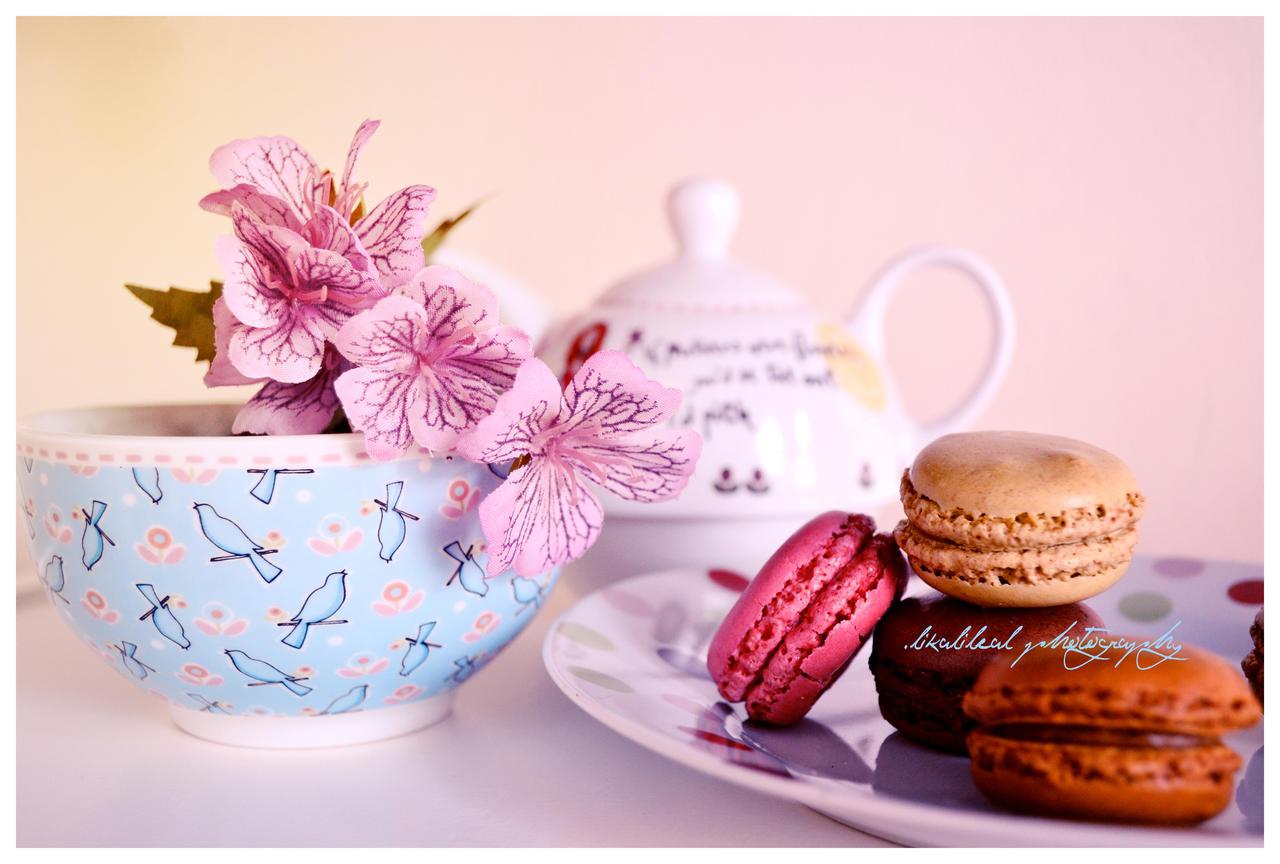Tea Time by likalileal