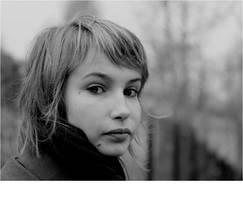 she's beautiful . by edlyytam