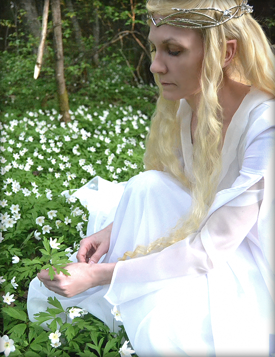 Galadriel and her flowers! by Mollamaija