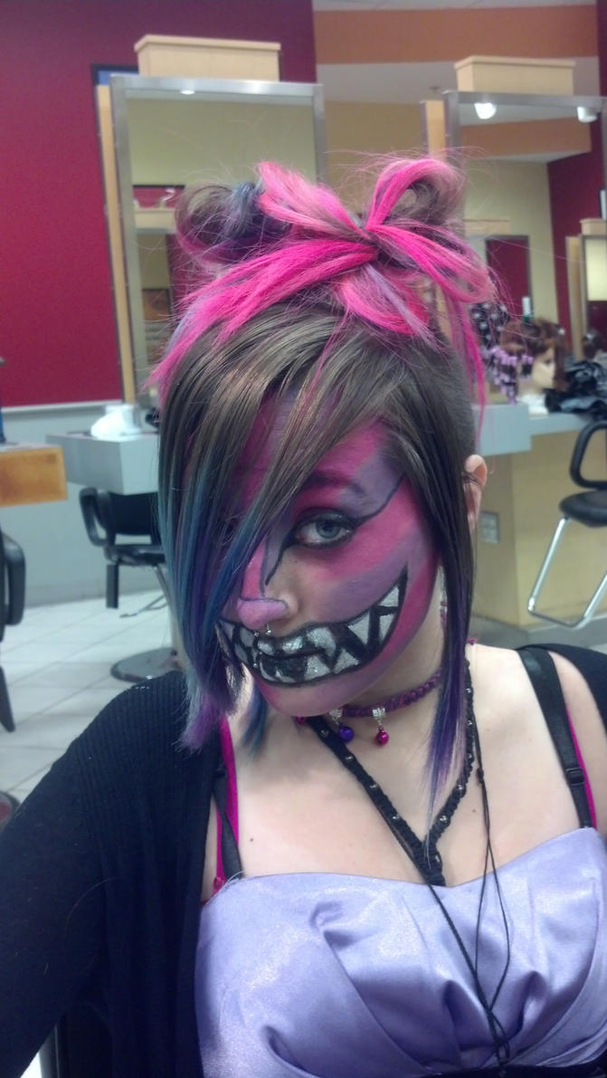 Cheshire Cat by bellybuttxn