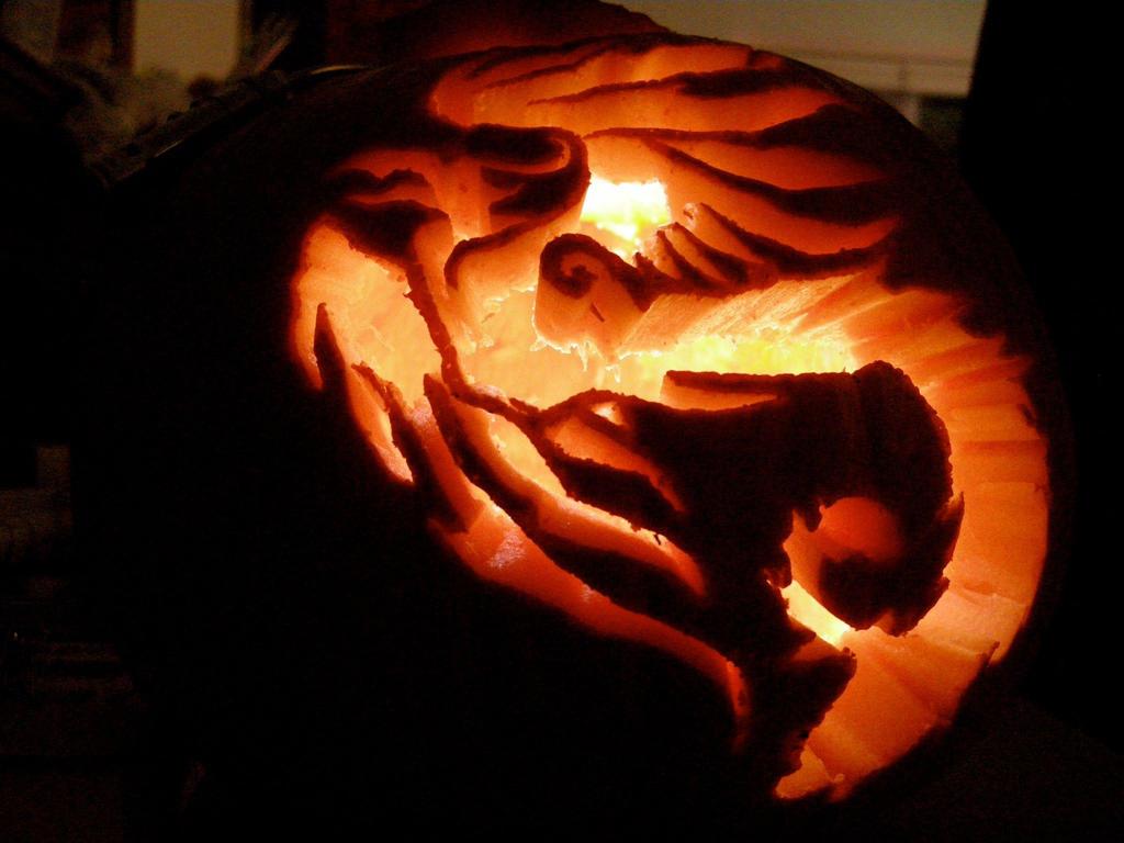Book o lanterns noel s 2009 pumpkins puff the magic dragon pumpkin school ideas pinterest - Excellent kid halloween decoration using predator pumpkin carving ideas ...