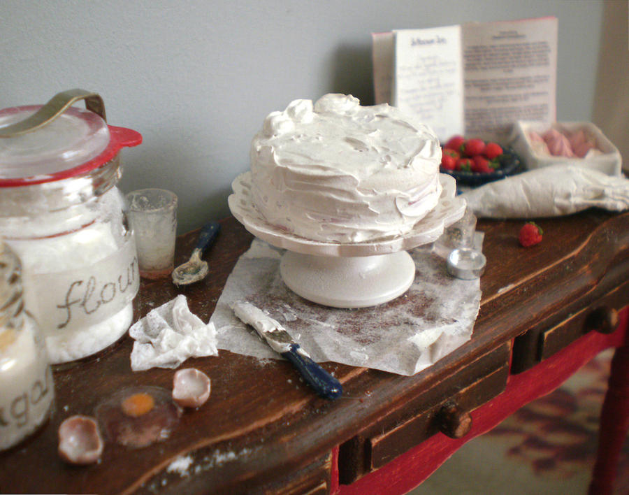 Cake Decorating Table by vesssper